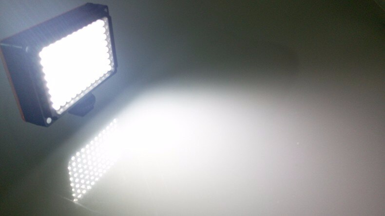 Ulanzi 112 LED Phone Video Light Photographic Lighting for Youtube Live Streaming Dimmable LED Lamp Bi-color Temperature for iPh